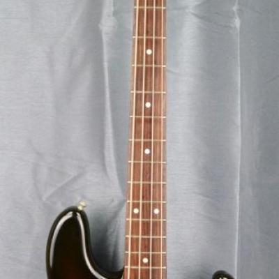 VENDUE... FENDER Jazz Bass JB'62 RI 3TS 1994 japon import *OCCASION*