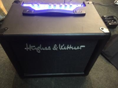 Hughes & Kettner Ampli à lampes Tubemeister 18 Combo *OCCASION*